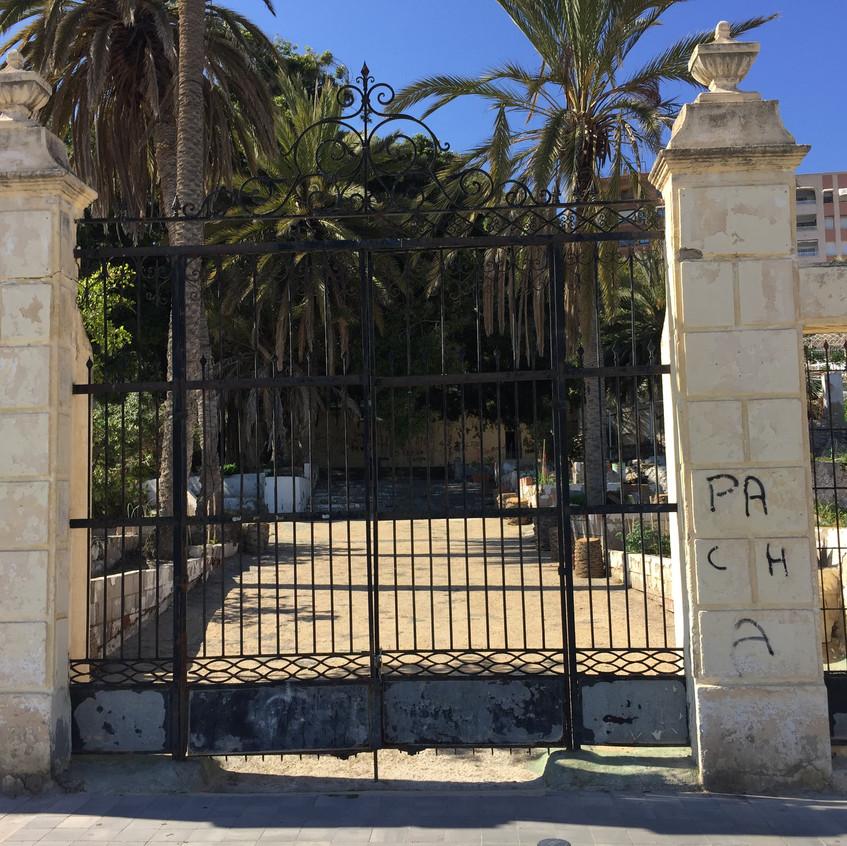The crumbling Villa Isabel