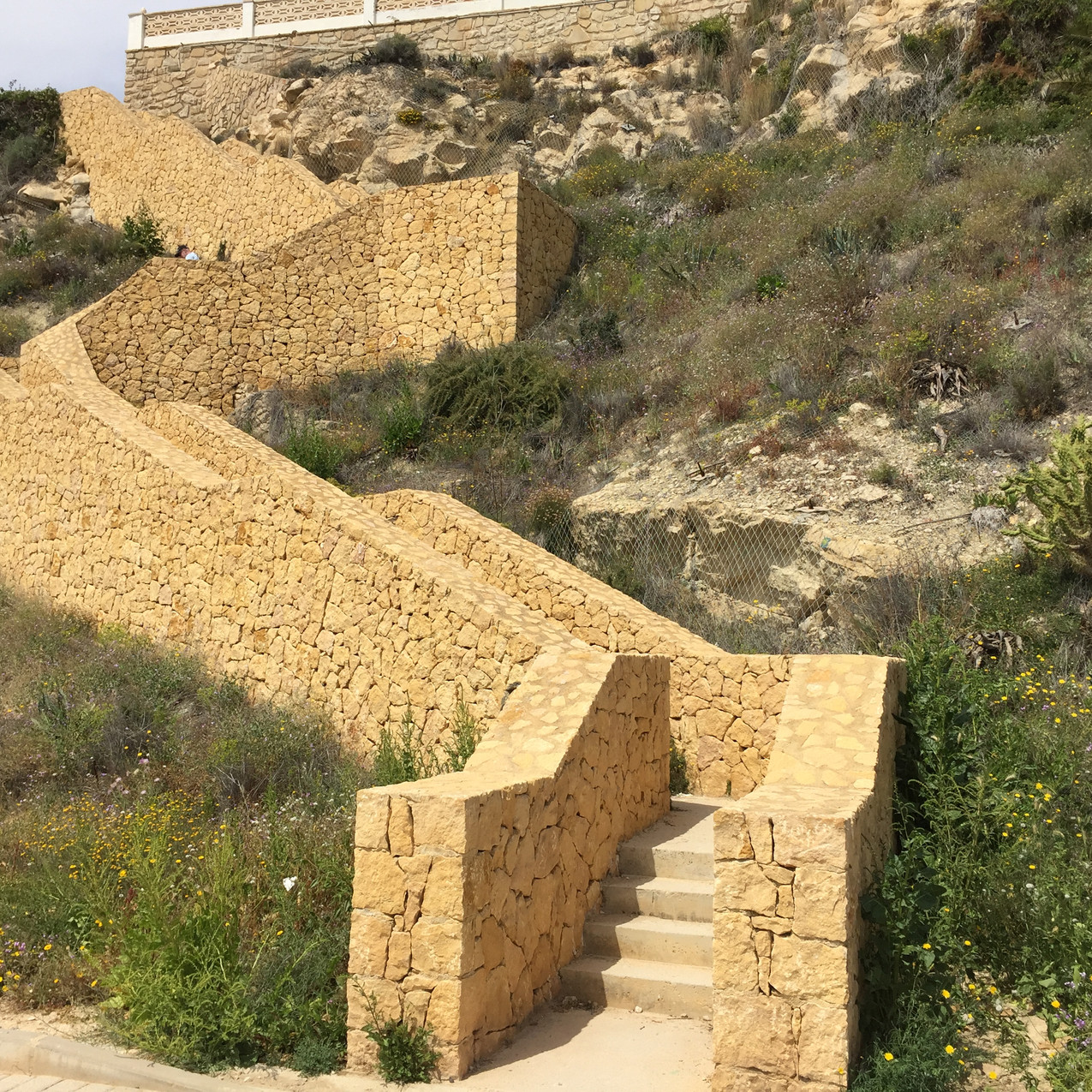 85 steps to the clifftop!