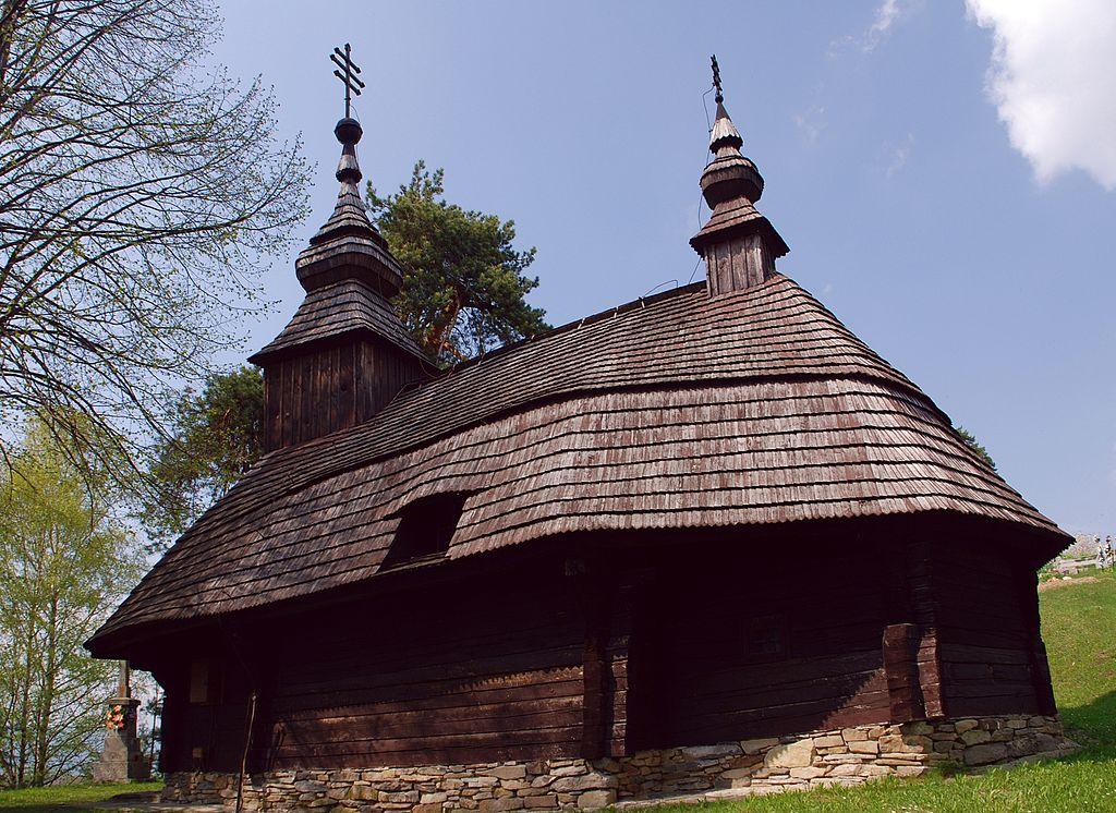 Drevený kostol Inovce
