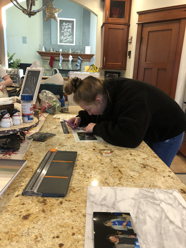 Madison Frauendienst - Earning her VPS virtually