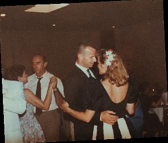 vintage-couple-dance.png