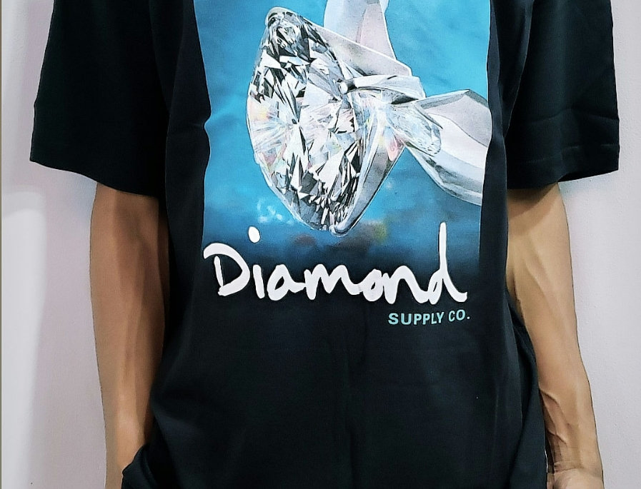 Camiseta Diamond Shimmer Tee - Black