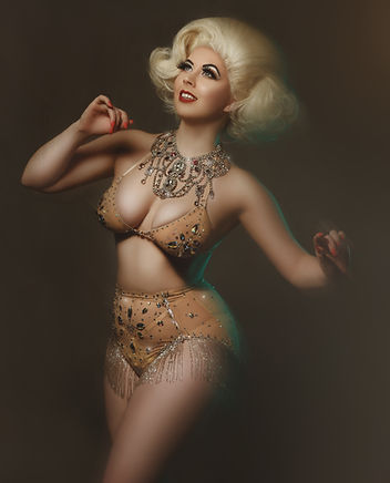 Havana Hurricane by Veronika Marx - Burlesque Performer