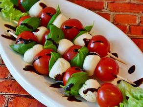 ENSALADA CAPRESE albahaca - tomate - mozzarella