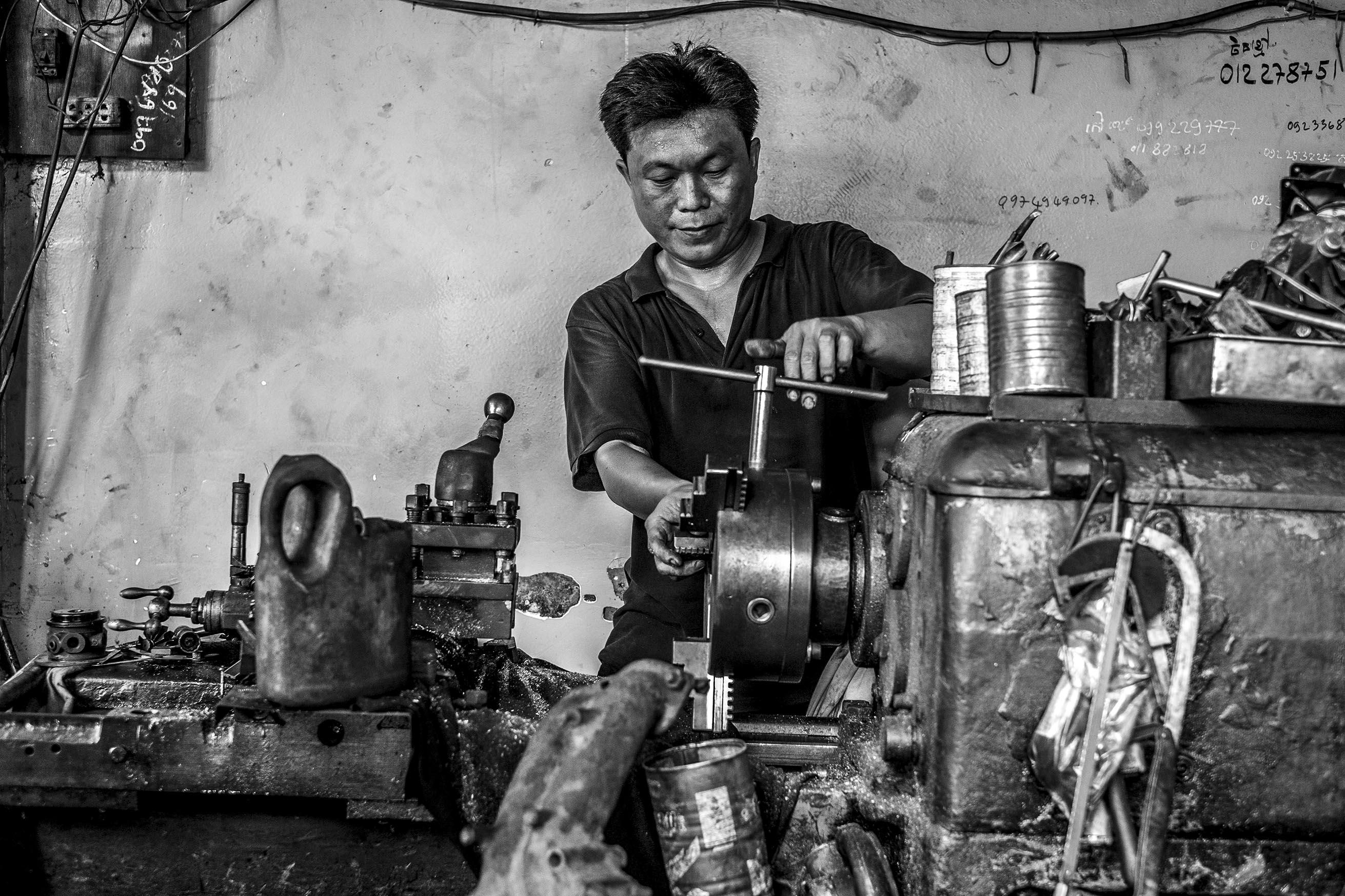 Phnom Penh Worker 04_web1000h
