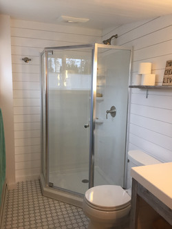 Maximize space in small bathroom