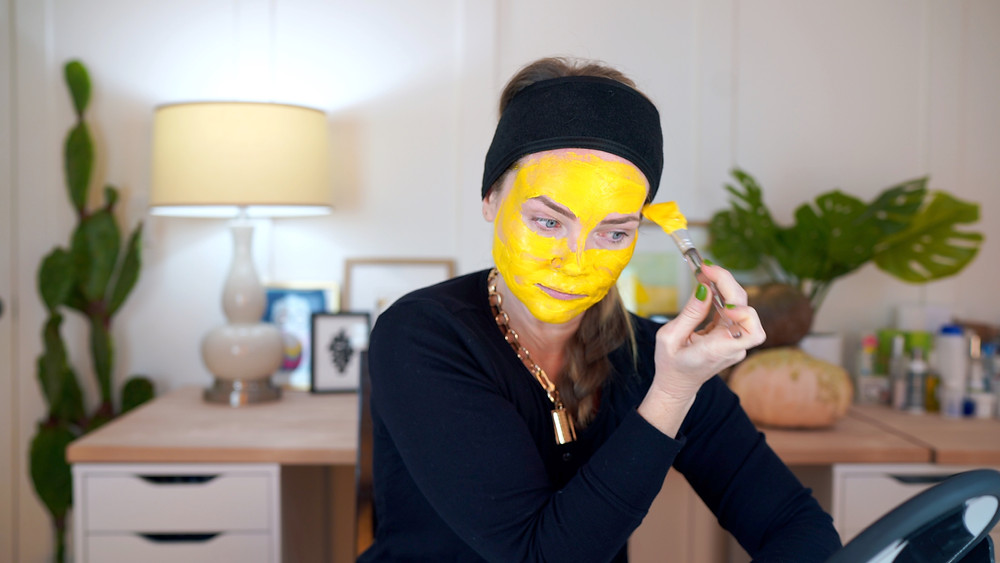 This is the Turmeric and Greek Yogurt Mask I test from Pinterest.