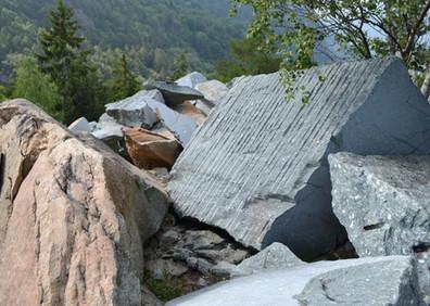 Carrière de conglomérat  « Vert des glaciers » du Carbonifère à Salvan