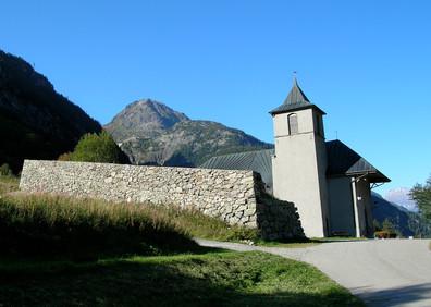 Eglise de Vallorcine avant sa réfection et son ouvrage de protection paravalanche