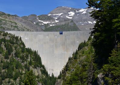Verrou glaciaire d'Emosson fermé par le barrage du même nom