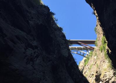 Ponts de Gueuroz vus des Gorges du Trient