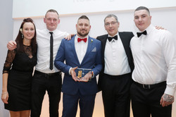 Wimpie Blatt and team from Bel & The Dragon win Warm Welcome award