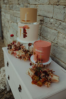 Spring Styled Shoot - Almonry Barn_661_w