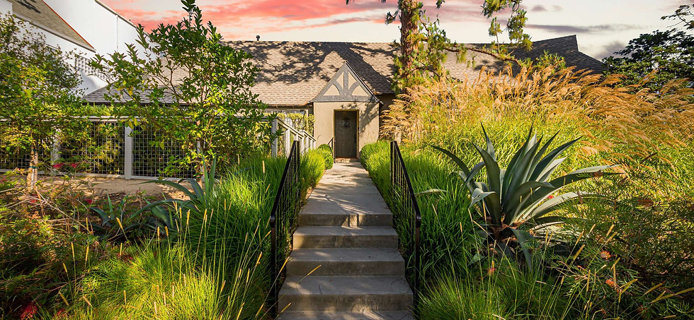 10496_Kinnard_Avenue Los_Angeles Califor
