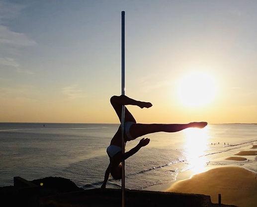 Studio oceanides au coucher de soleil- Maïté Pole Dance