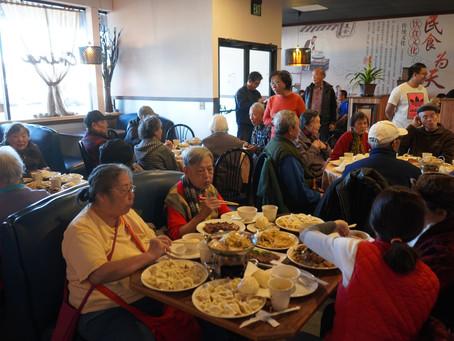 喜樂老人送舊迎新聚餐  互道新年快樂