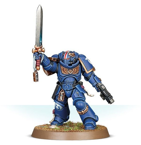 Space Marine Primaris Lieutenant With Power Sword