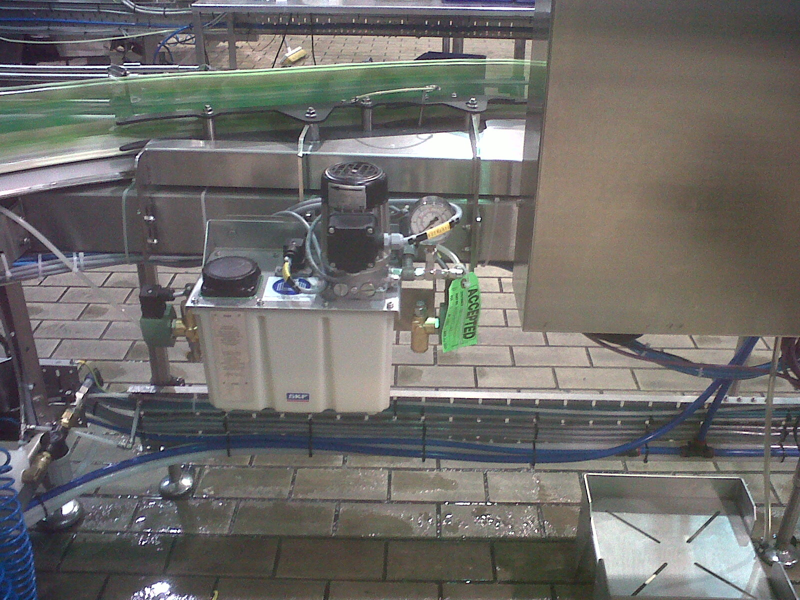Helix dry lube pump