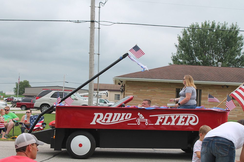 A previous Chenoa 4th of July parade is shown / EOCI file photo.