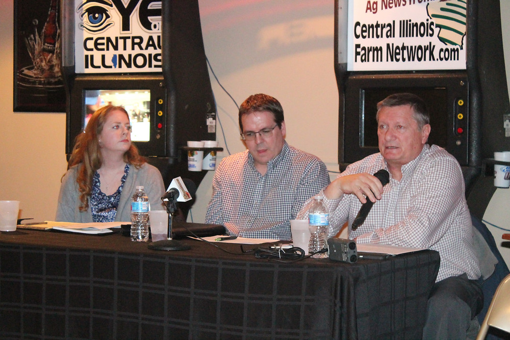 Jessica Murphy, Aaron Curtis and Merrill Crowley participate in the 2018 CIFN Ag Outlook Meeting Tuesday night at Gig's Place in Fairbury / CIFN photo.