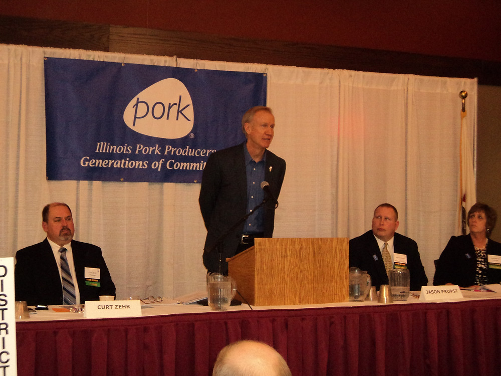 Gov. Rauner speaks at last year's IPPA annual meeting / CIFN file photo