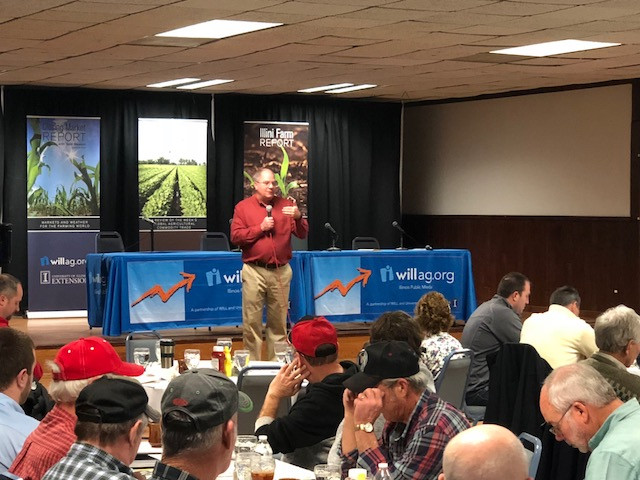 U of I's Todd Gleason addresses farmers at this week's Ag Outlook Meeting at the Beef House in Covington, Indiana / CIFN photo.