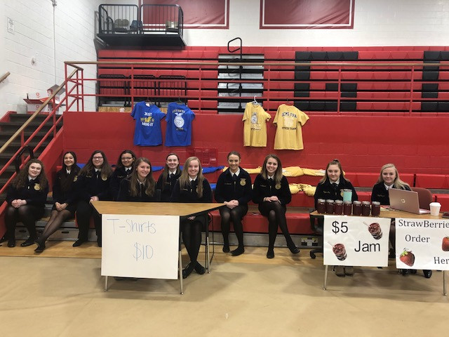 GCMS FFA members pose at the school's scholarship auction Saturday afternoon / CIFN photo.
