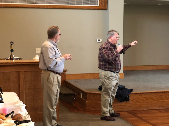 U of I's Dr. Emerson Nafziger (right) addresses the Livingston County Agronomy Day last week as Dale Durcholz of Agrivisor looks on.