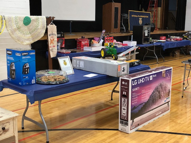 Items displayed at last weekend's Flanagan-Cornell FFA auction / CIFN photo.
