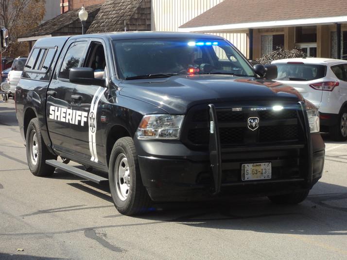 Squad strikes car in Pontiac
