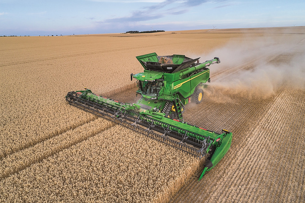 The European version of the X9 combine, a product which won't be officially launched until late 2020 / CIFN photo.