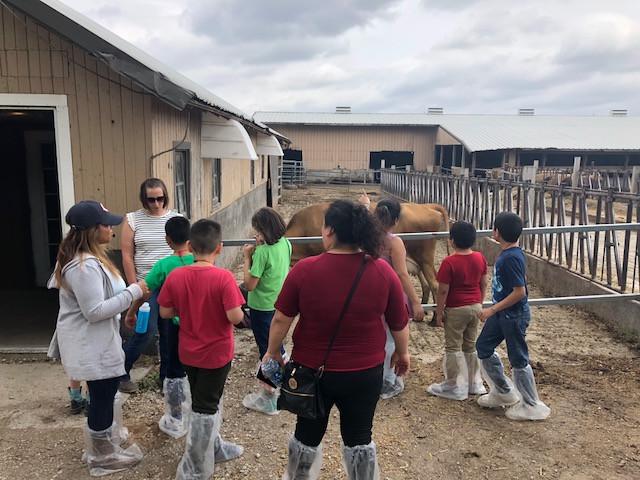 Students and teachers from Calmeca Academy in Chicago visit Kilgus Farmstead near Fairbury Tuesday / CIFN photo.