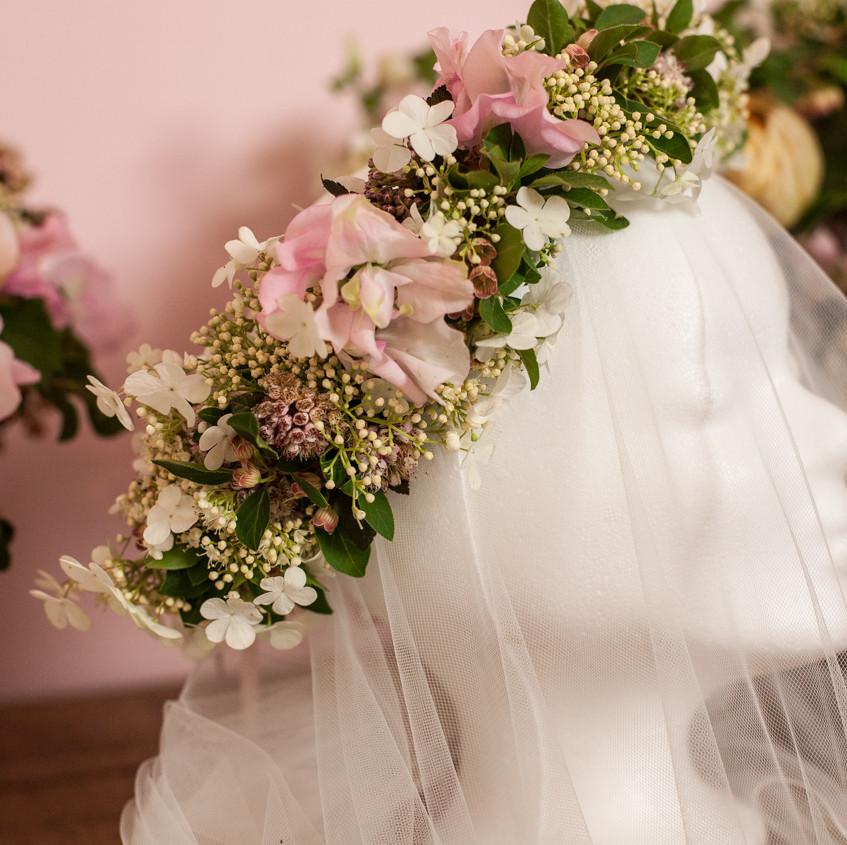 Vintage Wedding by Julia Gauld