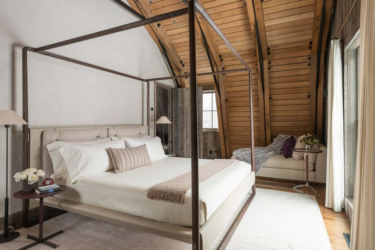 gallery-1485211620-barn-inspired-guest-house-bedroom