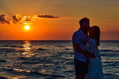 New friends post elopement in Varadero