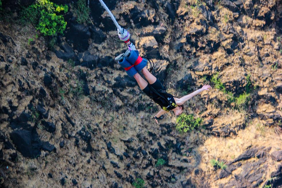 zimbabwe bungee jumping 4.jpg
