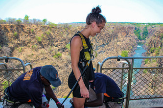 zimbabwe bungee jumping 2.jpg