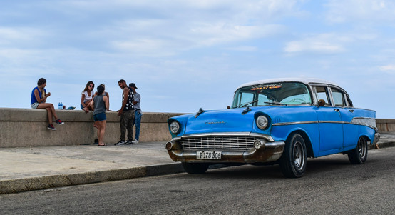 Hangin out on the malecon