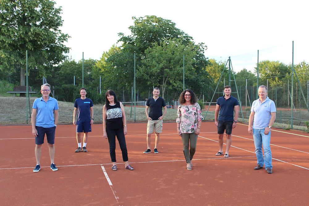 https://www.vrm-lokal.de/online/tennisclub-gruen-weiss-bingen-waehlt-neuen-vorstand_21975157.htm