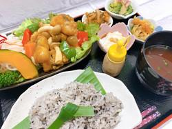 スペシャルランチ(白身魚の黒酢あんかけ)