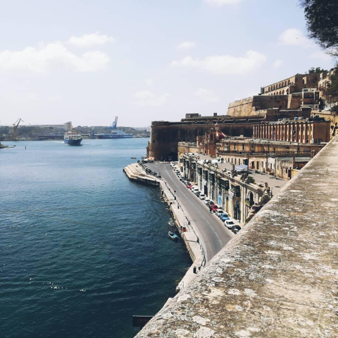 valletta harbour.jpg