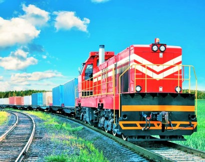 freight-train-on-track (2) (Custom)