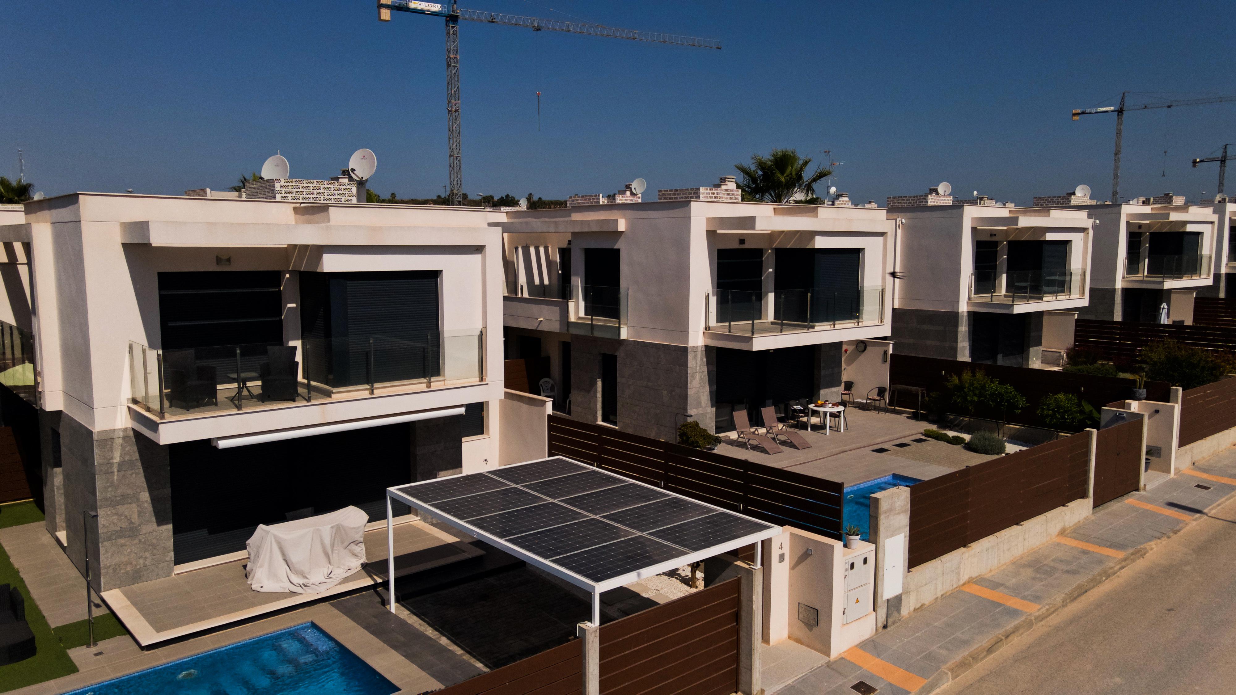 Eco-solar Technics