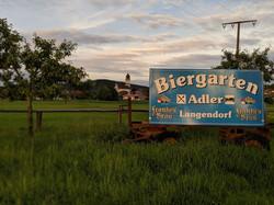 Biergartenschild auf den Saalewiesen