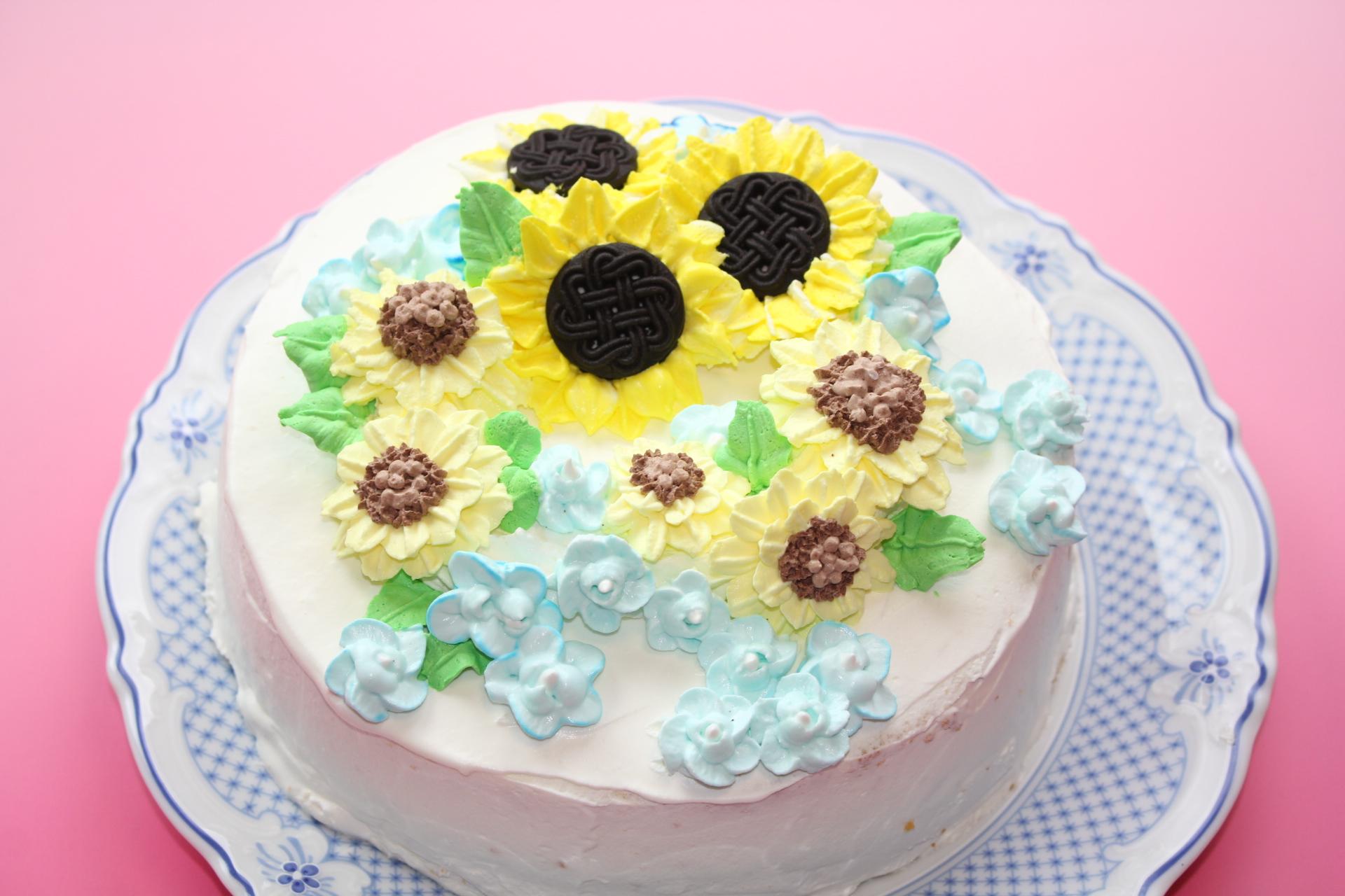 ひまわりとブルースターのバースデーケーキ