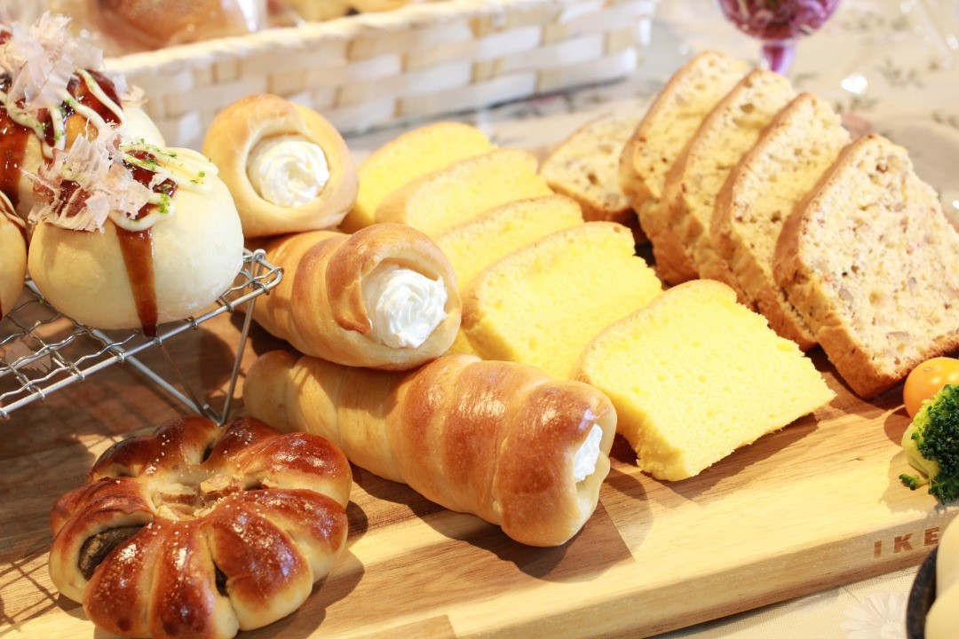 パンと台湾カステラ