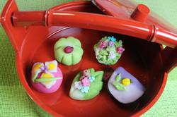 練り切り 菖蒲、幸せの四つ葉のクローバー、紫陽花、蛍、かたつむり