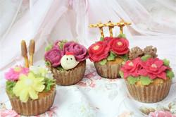 フラワーカップケーキハロウィン、クリスマス、山茶花、秋桜カップケーキ