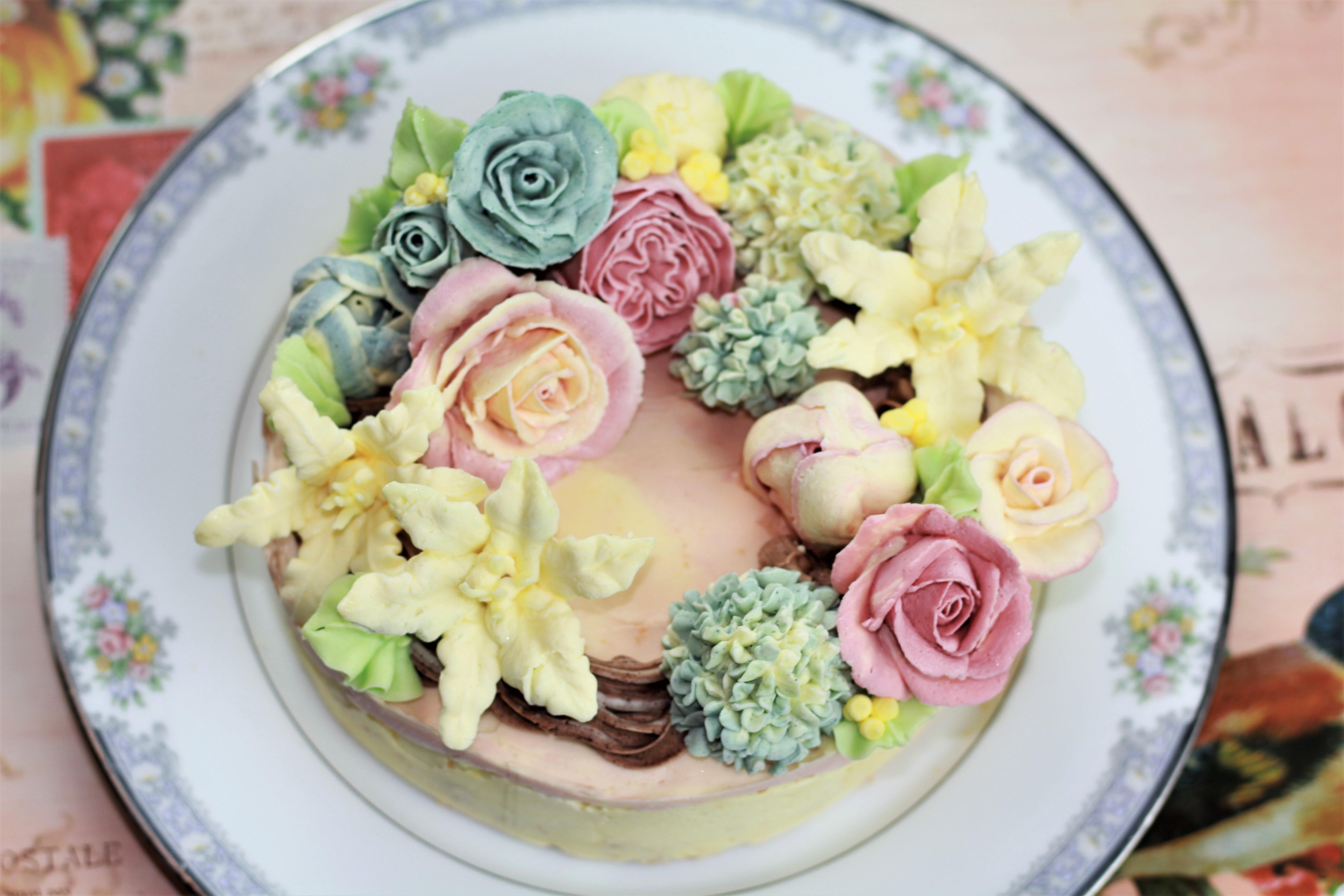 バタークリームのフラワーケーキ