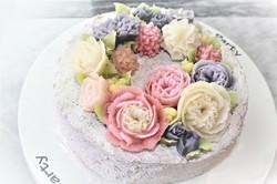 黒ゴマクリームのあんフラワーケーキ